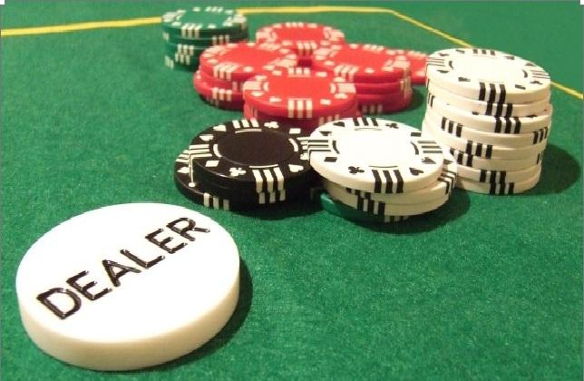 Hình ảnh poker in Poker- cách chơi bài mới lạ trong game bài online Việt Nam